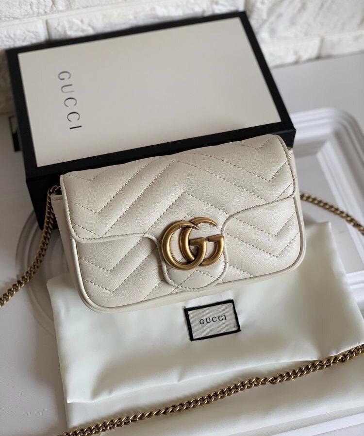 Túi Gucci Marmont tone trắng thích hợp phối đa phong cách thời trang