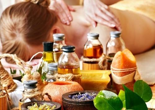 Massage bằng tinh dầu giúp thư giản