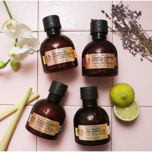 Tinh dầu massage The Body Shop được chiết xuất từ thiên nhiên