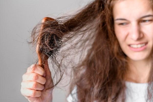 Chọn một loại serum dưỡng tóc có thể khắc phục các vấn đề về tóc của bạn ngay tại chỗ