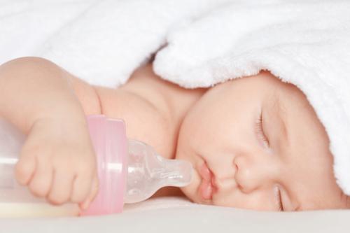 Khuyến cáo chọn bình sữa từ những thương hiệu lớn