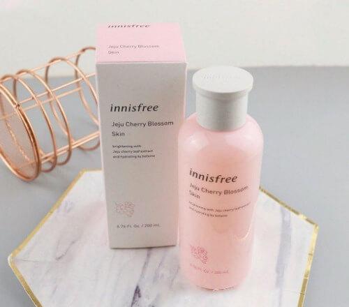 Nước hoa hồng Innisfree làm sạch và cân bằng pH cho da