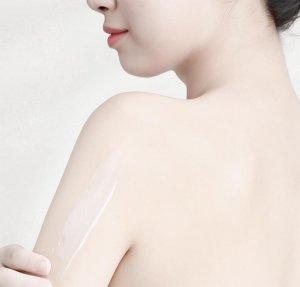 Vaseline 50X giúp chống nắng hiệu quả cho da