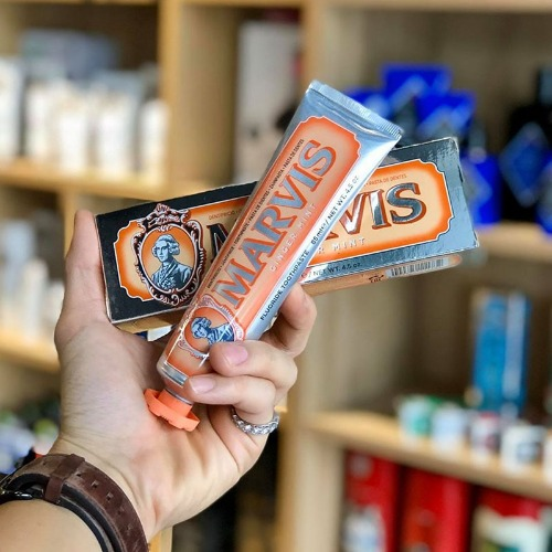 Marvis màu cam - cung cấp thêm các dưỡng chất giúp răng khỏe mạnh hơn