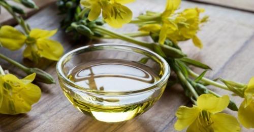 Tinh dầu hoa anh thảo giúp da mịn màng, chống chảy xệ