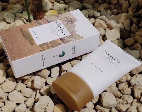 Skin1004 phù hợp với da nhạy cảm, da mụn, da dễ kích ứng, da dầu và da khô.