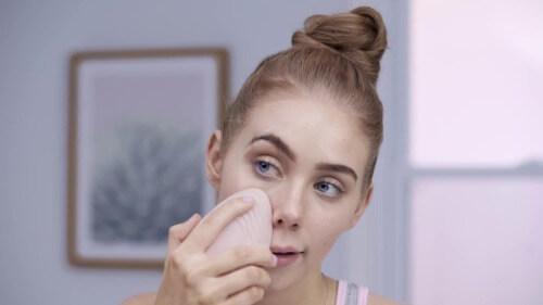Máy rửa mặt Emmie hỗ trợ làm sạch sâu da