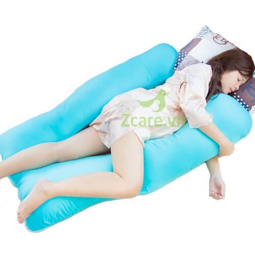 Gối ôm chữ u phù hợp giúp mẹ có tư thế ngủ thoải mái, dễ chịu